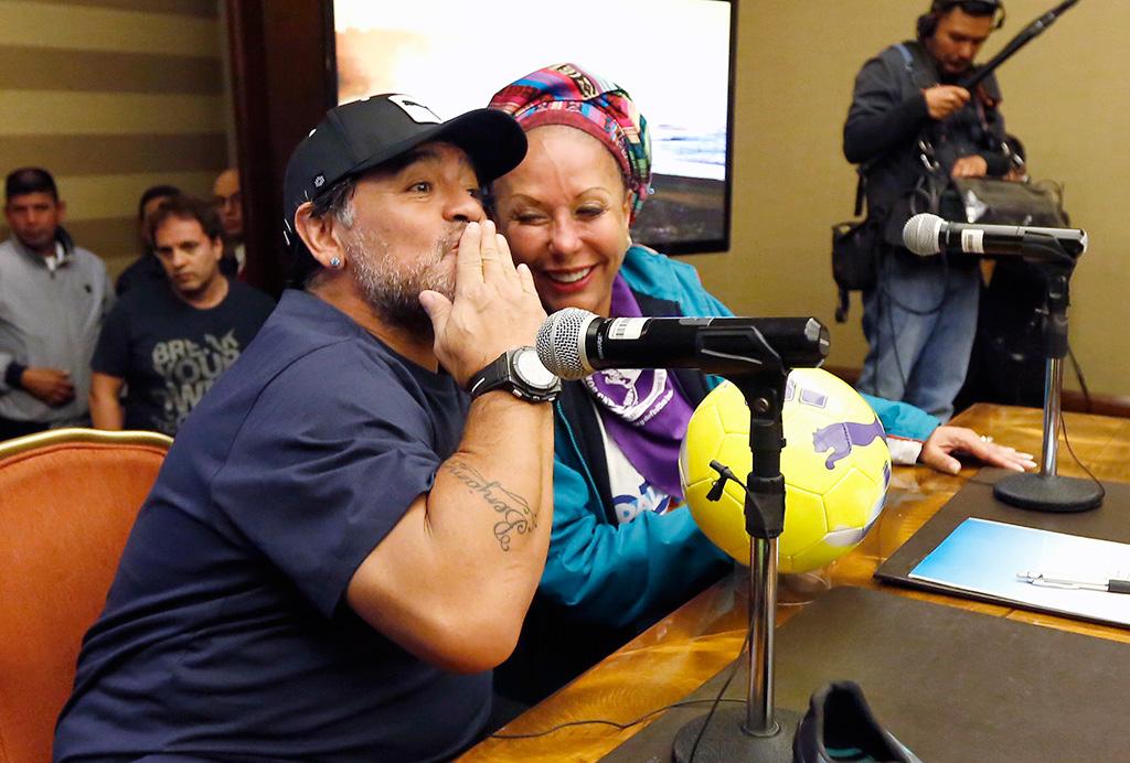 Maradona llega a Colombia