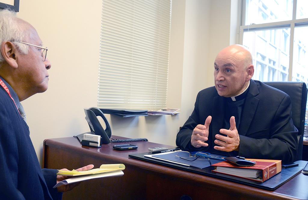 """Monseñor Mario Dorsonville: """"La Iglesia en EEUU tiene futuro hispano"""""""