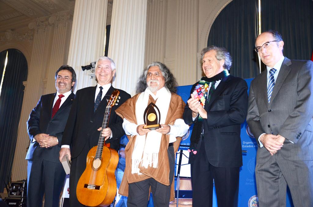OEA reconoce a dos virtuosos de la guitarra
