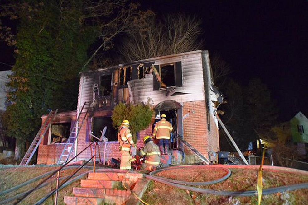 Fallecen cuatro personas en incendio en Maryland