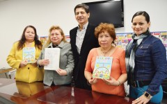De izquierda a derecha:  Doña Reina Reyes, María de los Ángeles, Mario Gamboa, María Herrera y Vilma Sorto. Foto: Jossmar Castillo / Washington Hispanic.