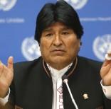 El presidente de Bolivia Evo Morales habla durante una conferencia de prensa tras participar de una sesión especial sobre las drogas en las Naciones Unidas, el jueves 21 de abril de 2016. Una jueza citó el lunes 25 de abril a Morales para que se someta a un examen de paternidad de un niño cuya madre, ex pareja del mandatario es investigada por supuesto tráfico de influencias y enriquecimiento ilícito. (Foto AP/Bebeto Matthews)