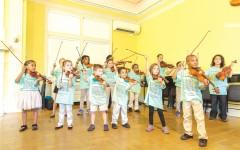 No importa la edad de los pequeños, ni si tienen experiencia con algún instrumento. Sólo se necesita que los niños estén interesados en aprender el arte de la música. Fotos: Cortesía.