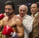 En esta imagen difundida por The Weinstein Company, Edgar Ramírez, Robert De Niro y Rubén Blades, de izquierda a derecha, en una escena de