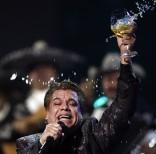 Se apaga la voz del ídolo de multitudes, el legendario Juan Gabriel. (AP Photo/Matt Sayles, File)
