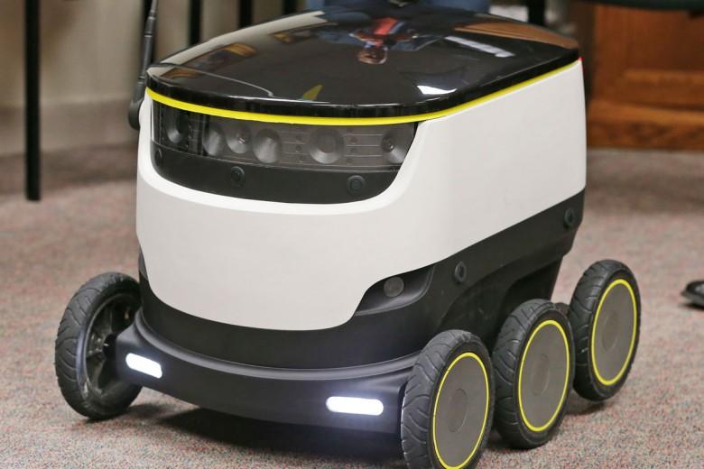 SOP-AP-SPANA-SPANXGR-_Cast-ROBOT