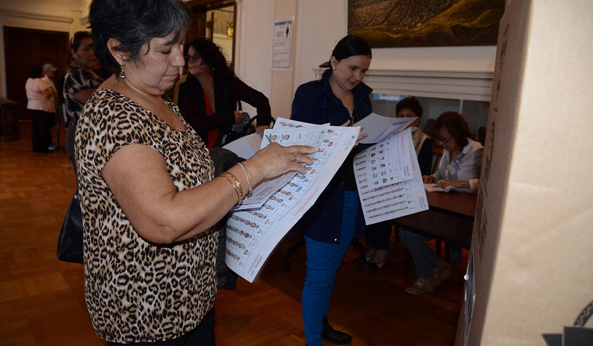 Foto-1-Votantes-mujeres-Ecuador