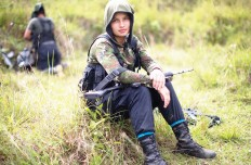 Foto-4-FARC-guerrillera