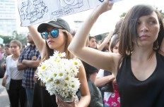Foto-2-Mujeres-protestan-Guatemala