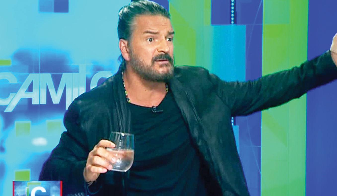Ricardo-Arjona-