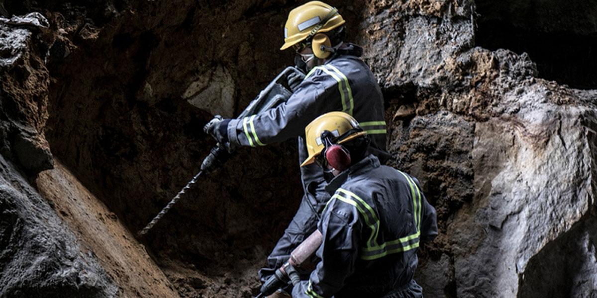 El Salvador congela bienes de empresa minera