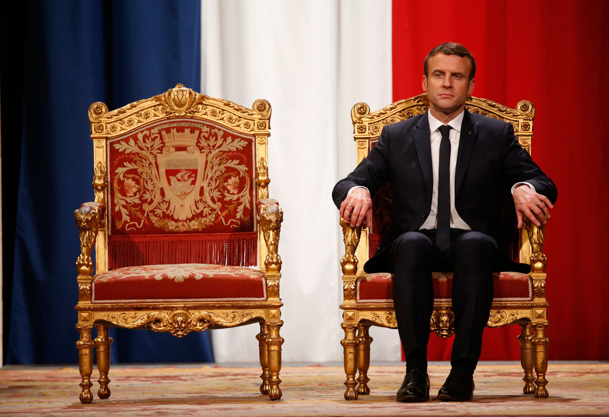 Emmanuel Macron integra su gabinete ministerial con miembros de distintas líneas partidistas
