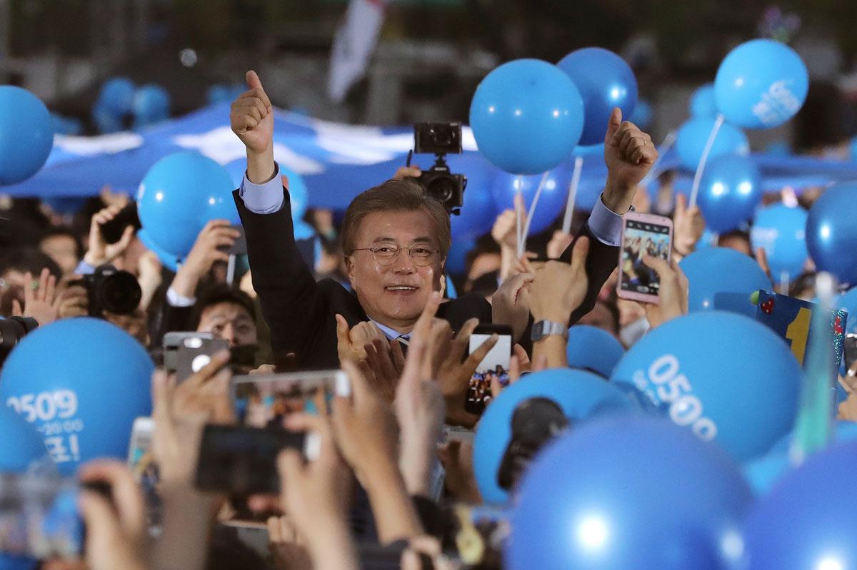 Los favoritos en las presidenciales surcoreanas emiten su voto