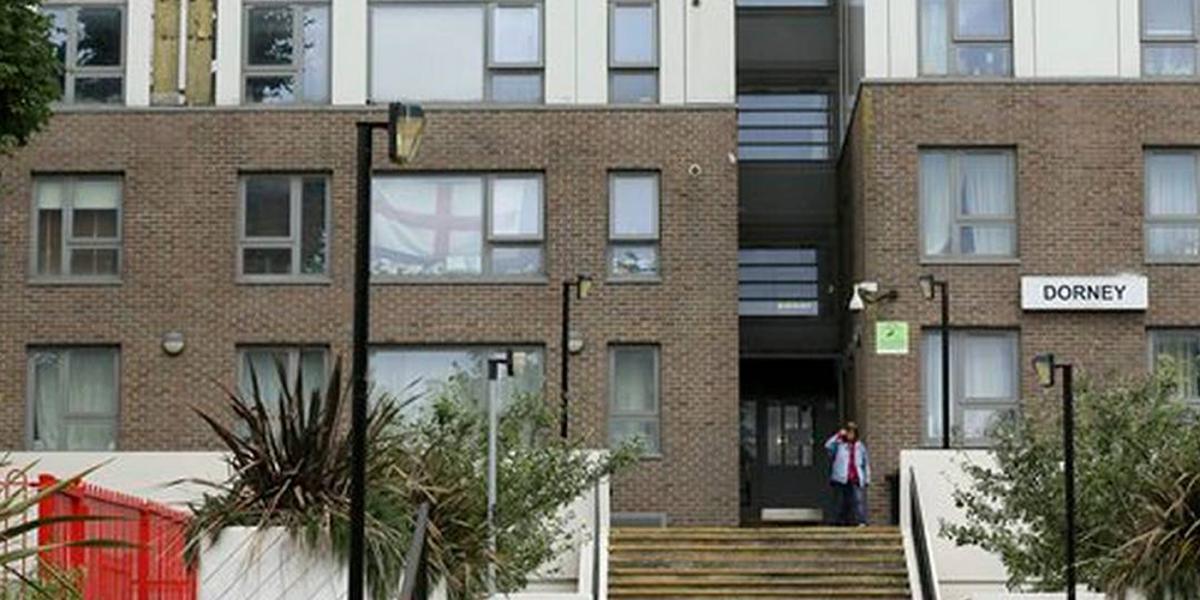 Se incendia edificio de cinco pisos en Londres
