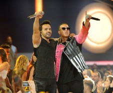 CORAL GABLES, FL - APRIL 27: Luis Fonsi and Daddy Yankee perform onstage at the Billboard Latin Music Awards at Watsco Center on April 27, 2017 in Coral Gables, Florida.   Sergi Alexander/Getty Images/AFP == FOR NEWSPAPERS, INTERNET, TELCOS & TELEVISION USE ONLY ==