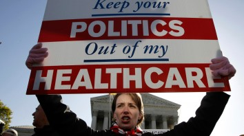 1800-resized-Obamacare-protester-source-AP-Photo-32831611