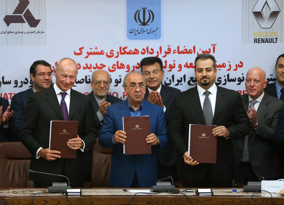 Renault apuesta por Irán: Hará 300.000 coches al año en el país