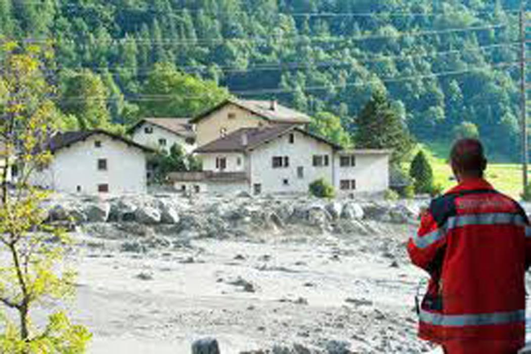 Hallan a seis desaparecidos tras deslizamiento de tierra en Suiza