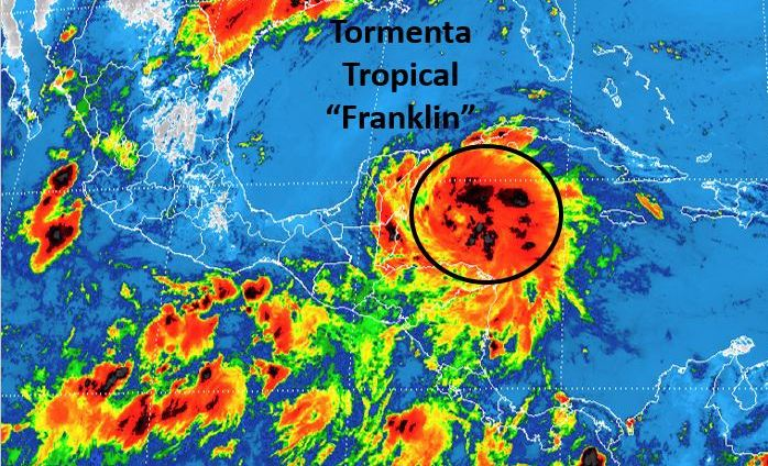 Franklin se convierte en huracán y azotará el estado mexicano de Veracruz
