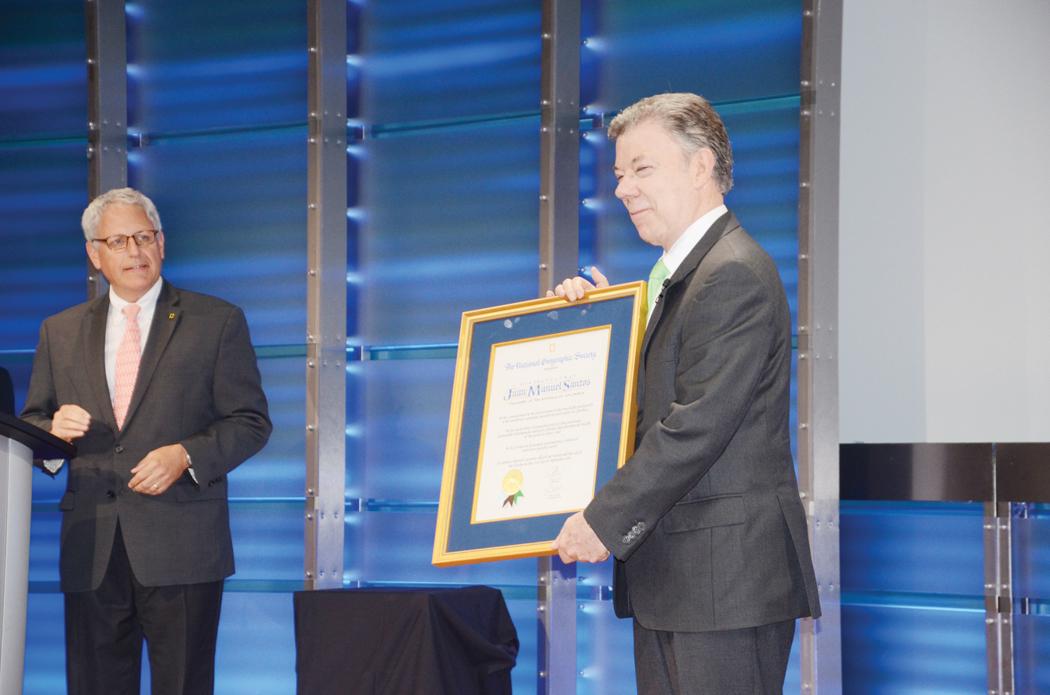 Foto 2-Santos-Premio Ambiental.JPG=Award