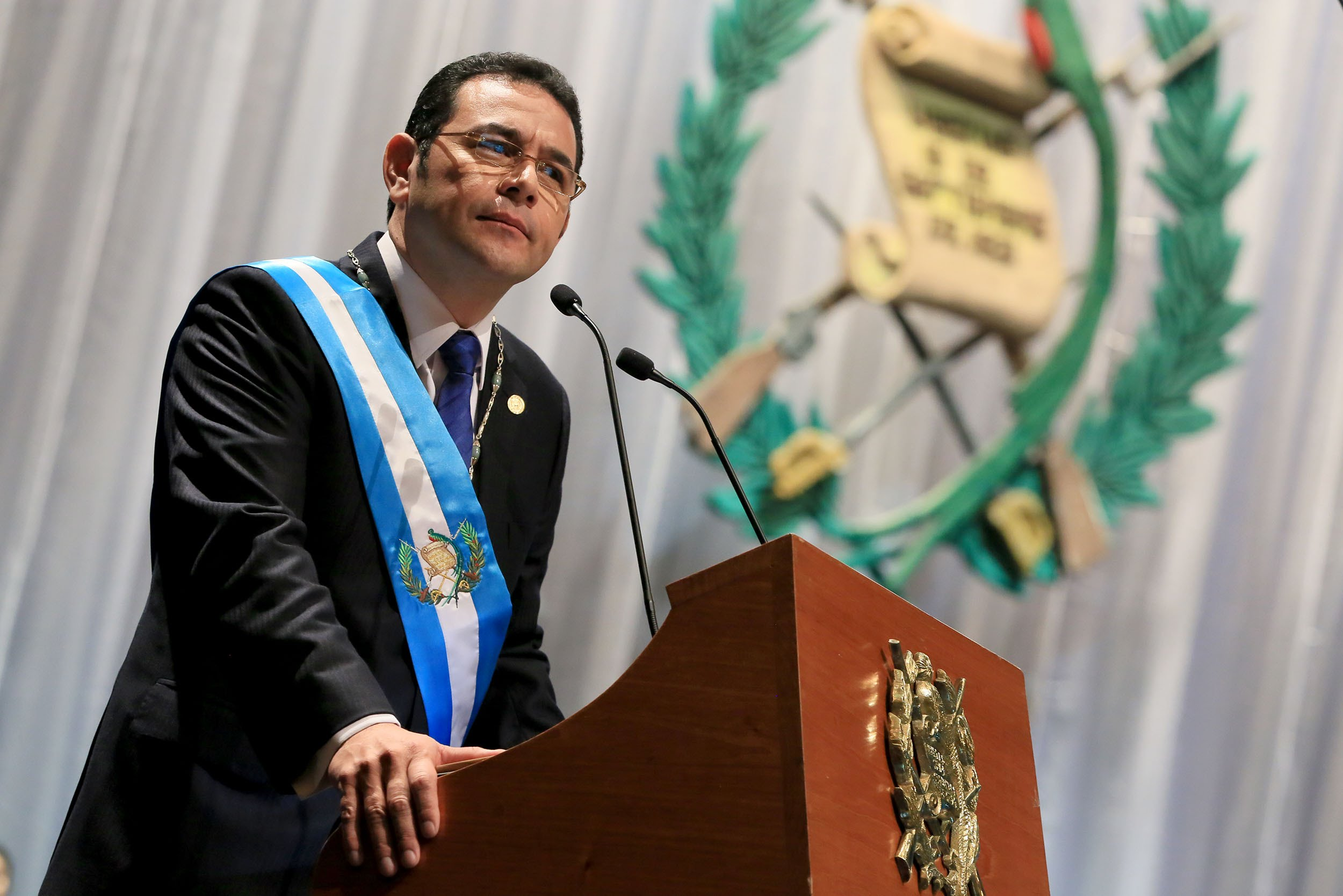 Recomiendan retirar la inmunidad al presidente de Guatemala