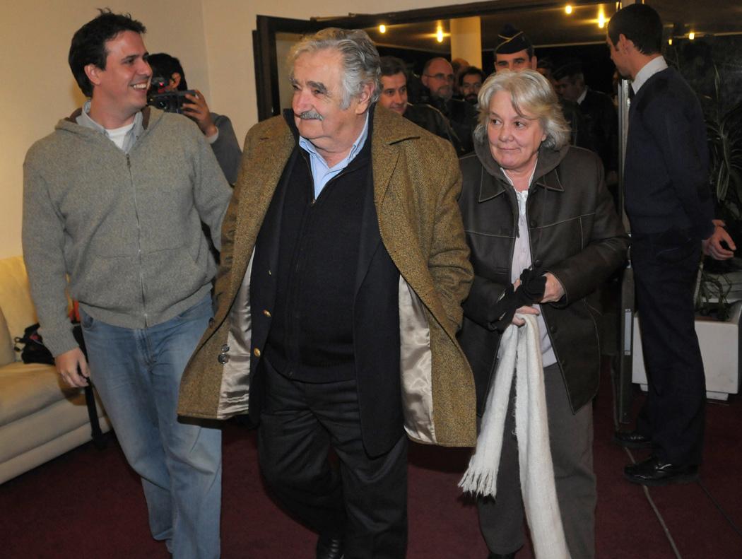 Esposa de José Mujica asume como vicepresidenta de Uruguay