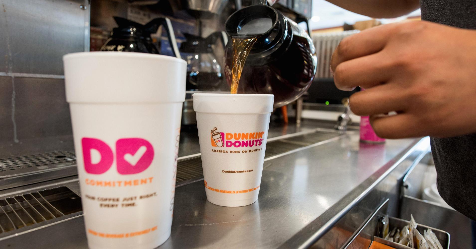 Dunkin' Donuts dejará de usar vasos de poliestireno