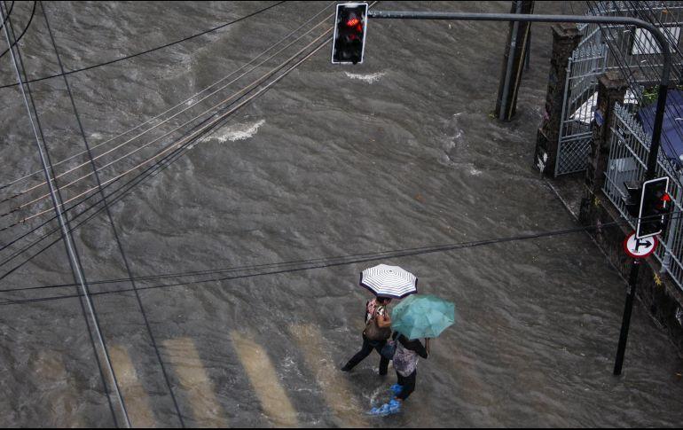 Fuertes lluvias y vientos dejan 4 muertos en Rio de Janeiro