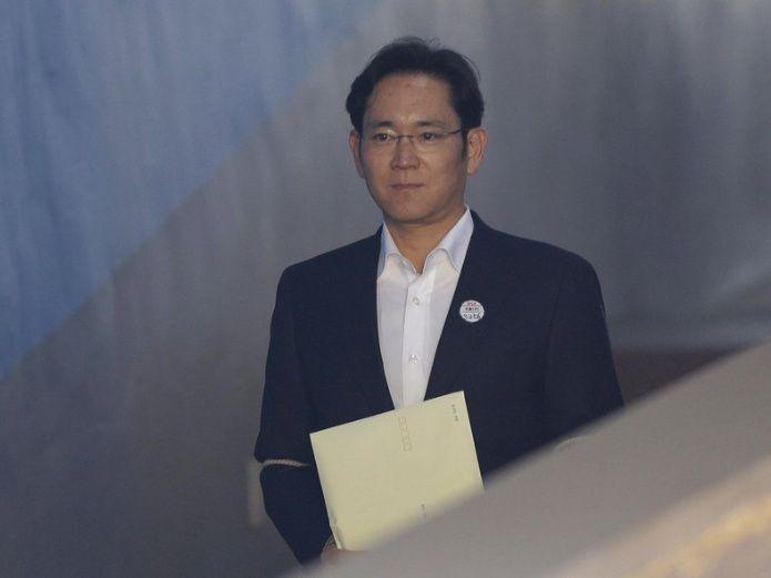 Heredero de Samsung recibe una condena de cárcel en suspenso