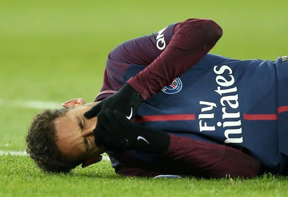 Neymar podría ser baja hasta 3 meses por cirugía