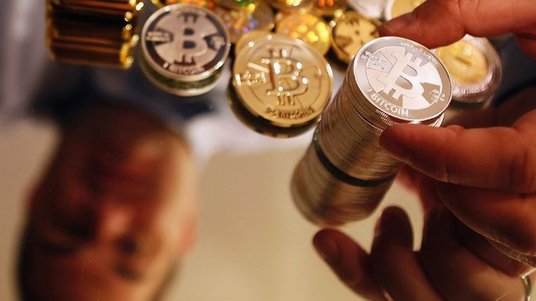 Google prohíbe publicidad, artículos sobre monedas digitales