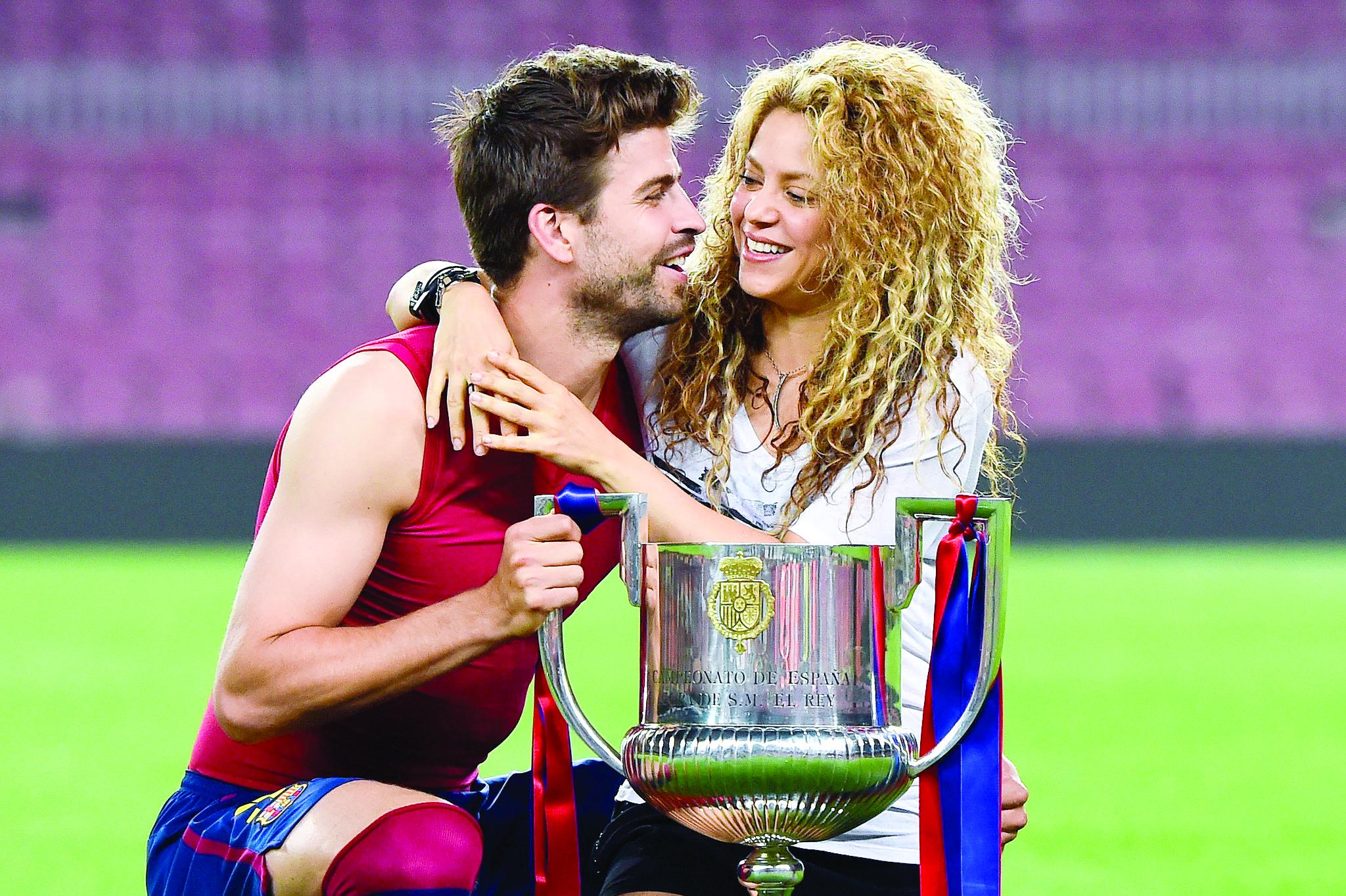 Shakira y Pike defienden su amor
