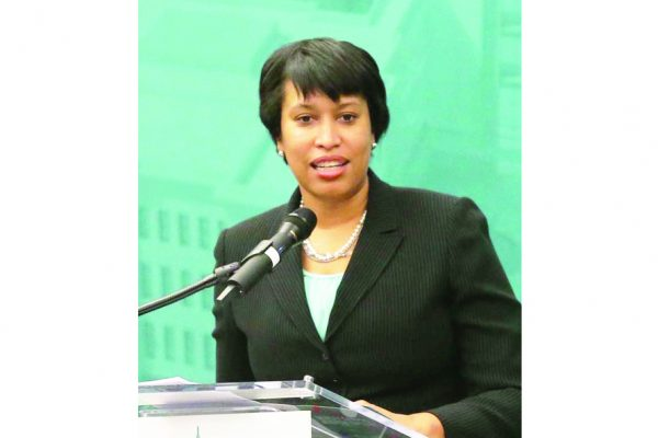 Foto 2-Mayor-Muriel-Bowser-OK