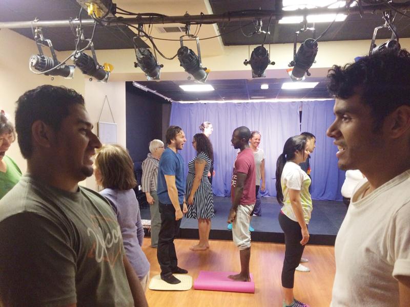 Talleres bilingües de actuación para adultos en Teatro de la Luna