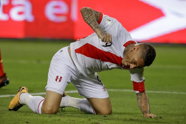 Peru's Paolo Guerrero reacts after missing a chance to score again Colombia during a 2018 World Cup qualifying soccer match in Lima, Peru, Tuesday, Oct. 10, 2017.(AP Photo/Martin Mejia)