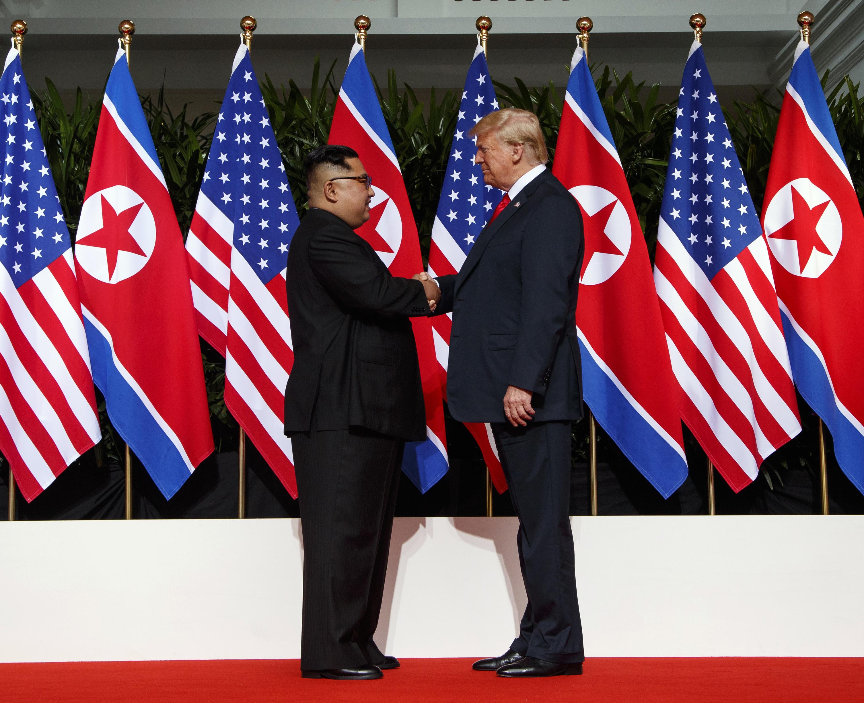 """Kim Jong Un se compromete a una """"completa desnuclearización de la Península de Corea"""""""