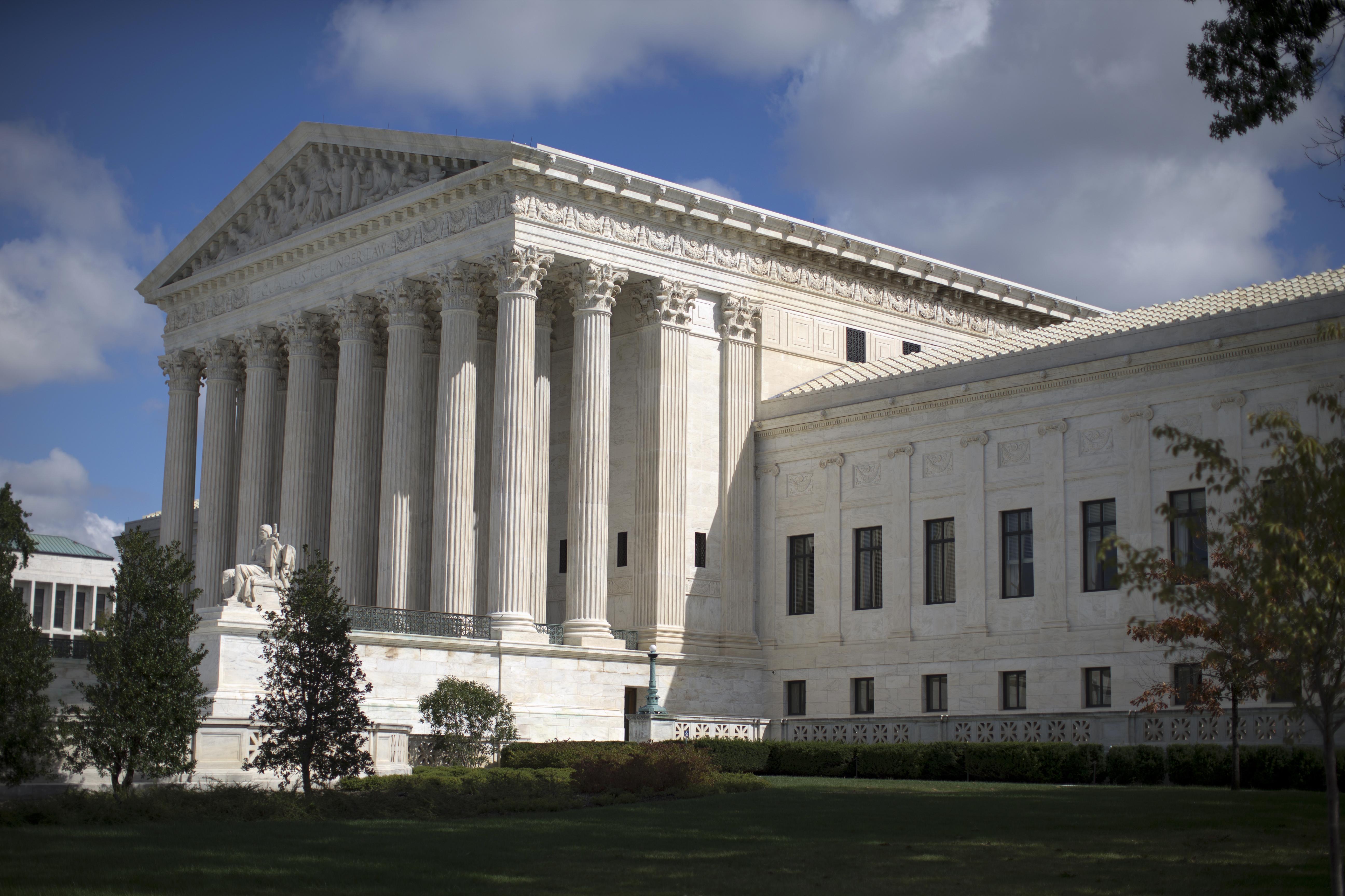 Trump continúa entrevistas para vacante en Corte Suprema
