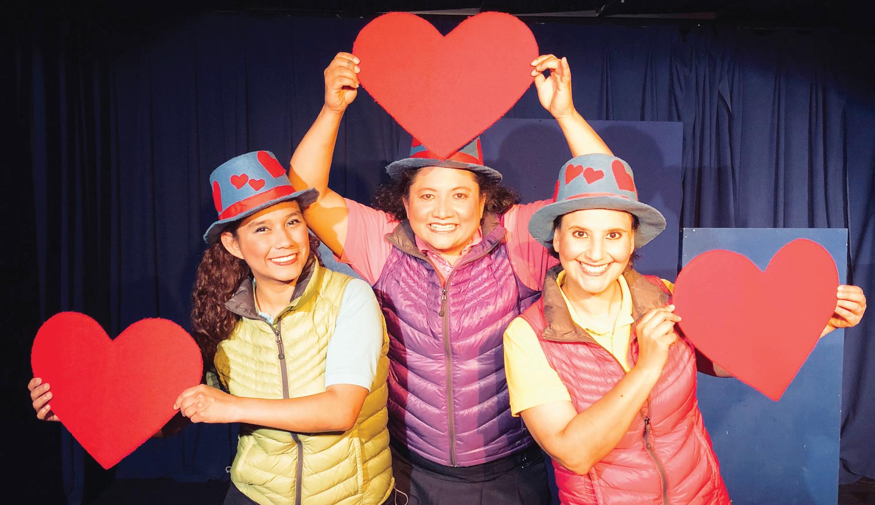 """""""Siempre Amigos"""" y """"Nuestra Señora  de las Nubes en Teatro de la Luna"""