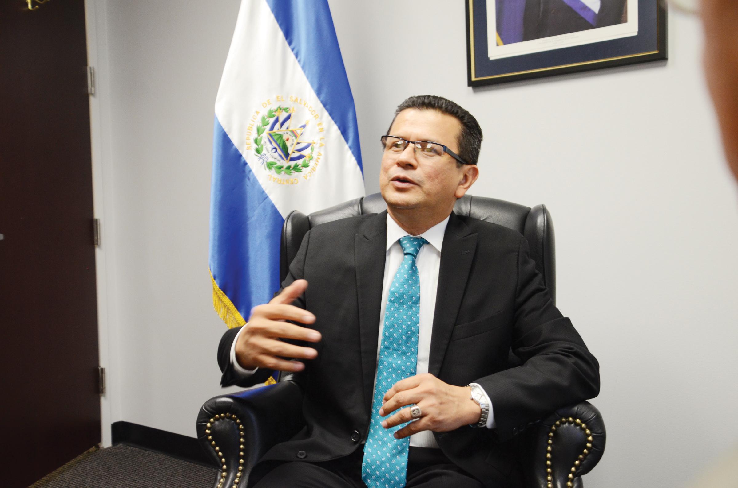 Hugo Martínez: Aspiro a ser  el candidato de la gente