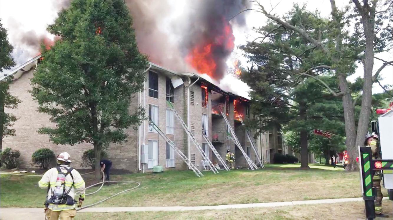 Incendio desplaza familias en Maryland