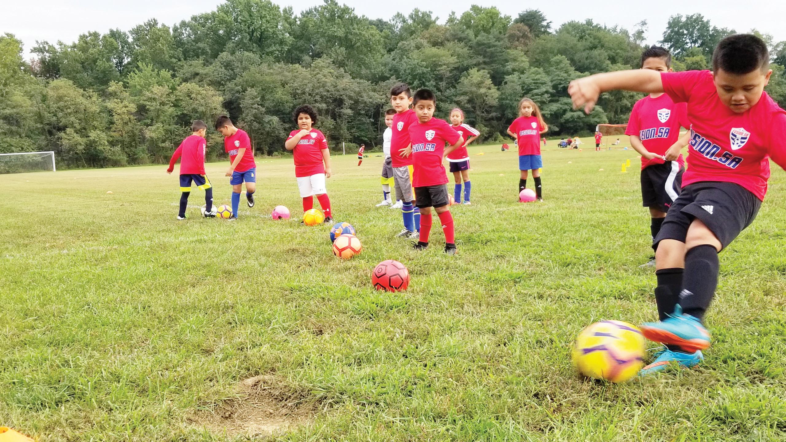 Academia de fútbol Fusion  recibe donación de D.C. United