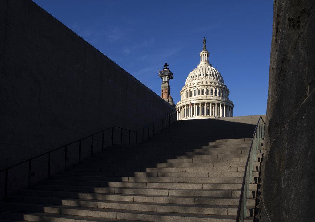 Suman 42 los latinos en el Congreso, uno sin definir