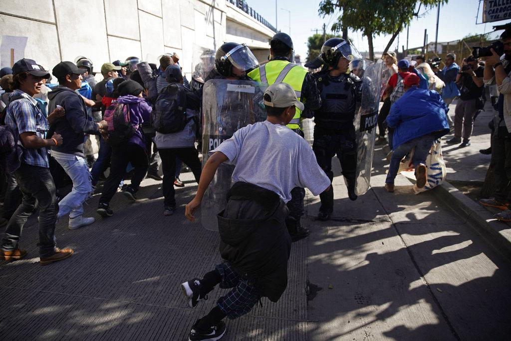 México reforzará seguridad fronteriza por cruce de migrantes