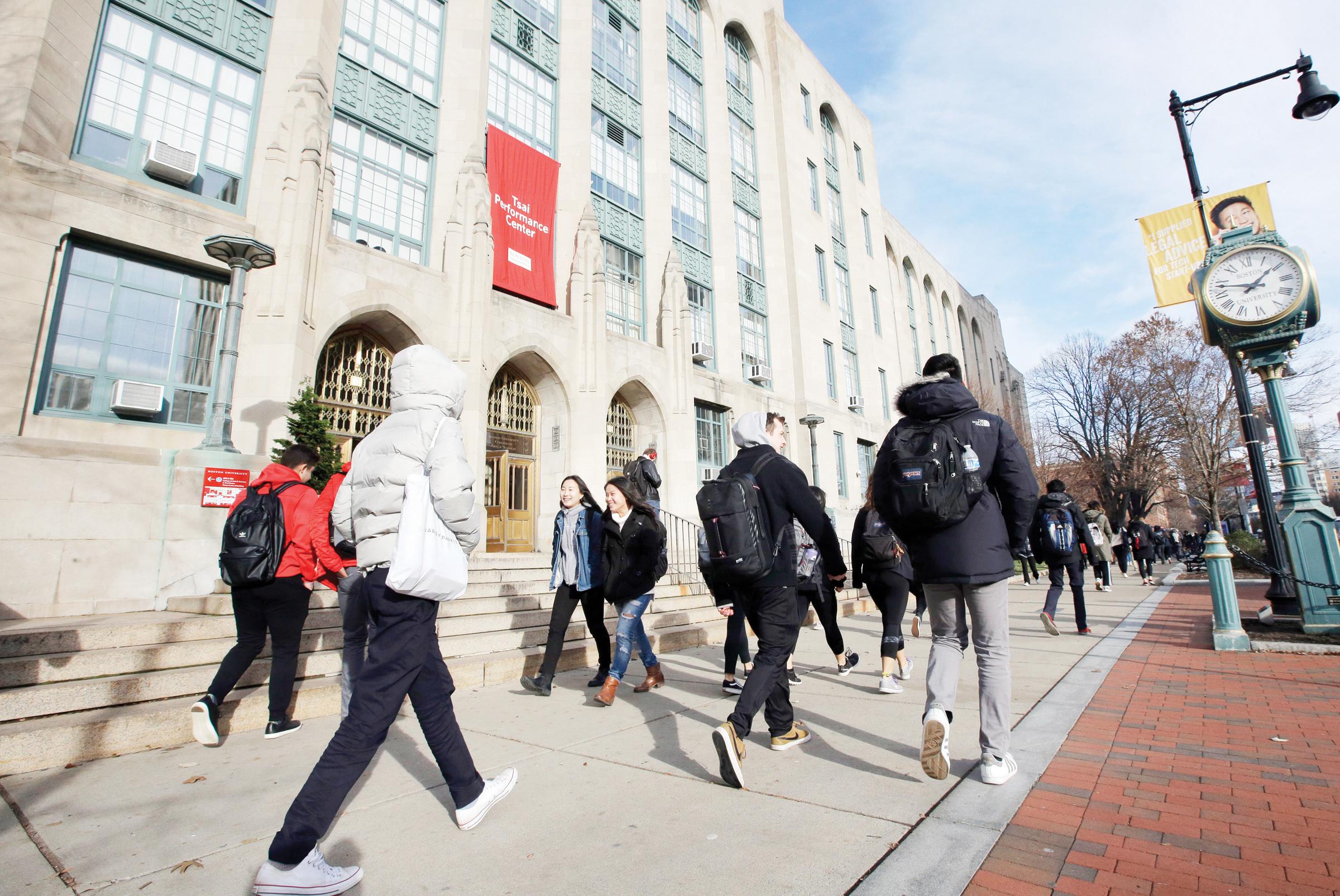El Departamento de Educación paga $150 millones de deuda estudiantil