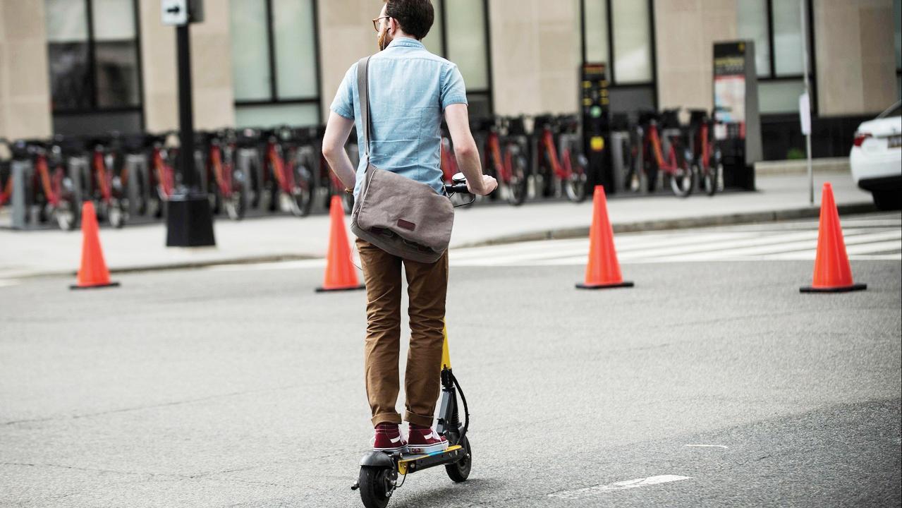 Evalúan scooter eléctricos para condado de Fairfax