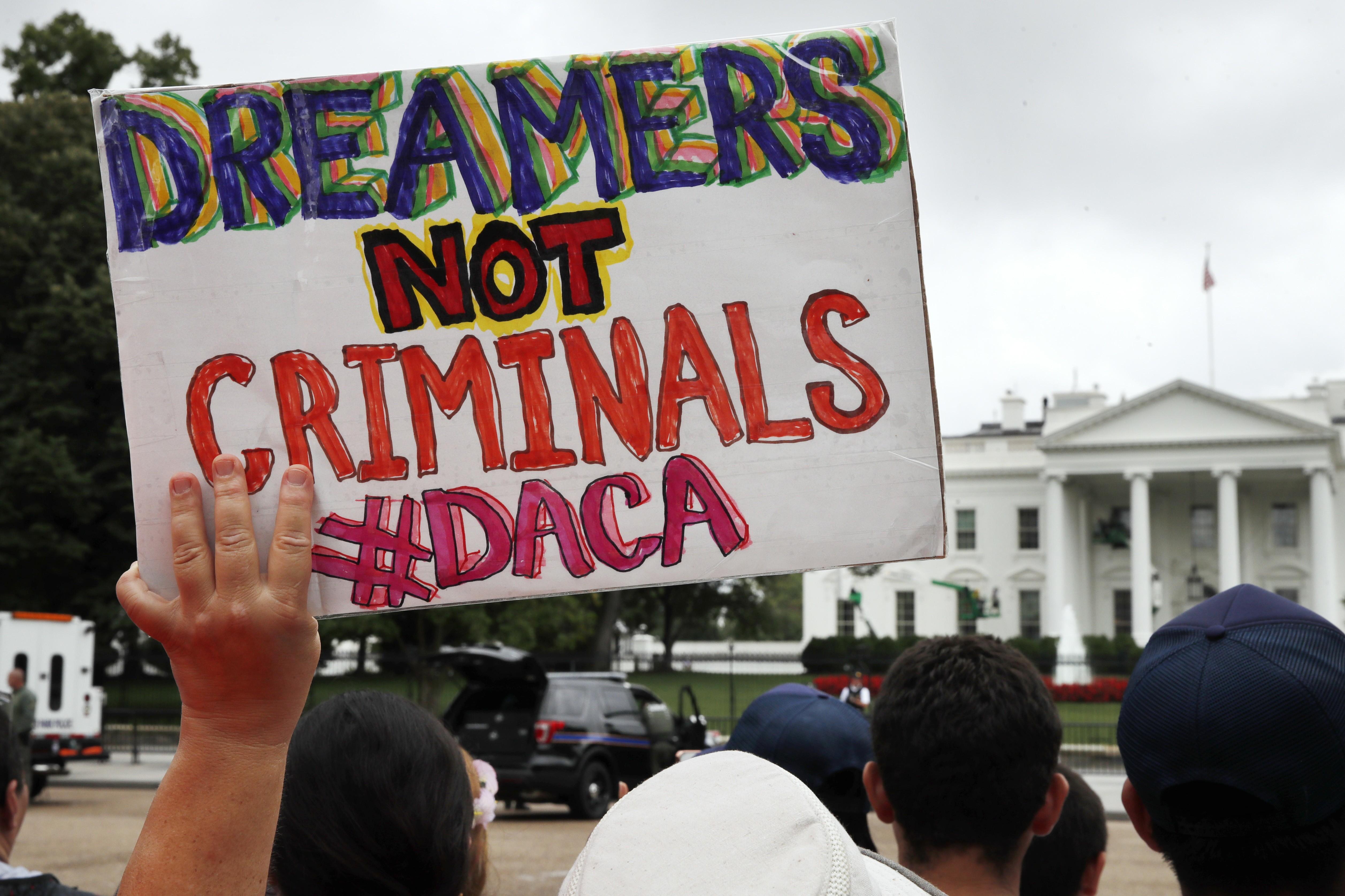 Declaran ilegales  a los Soñadores