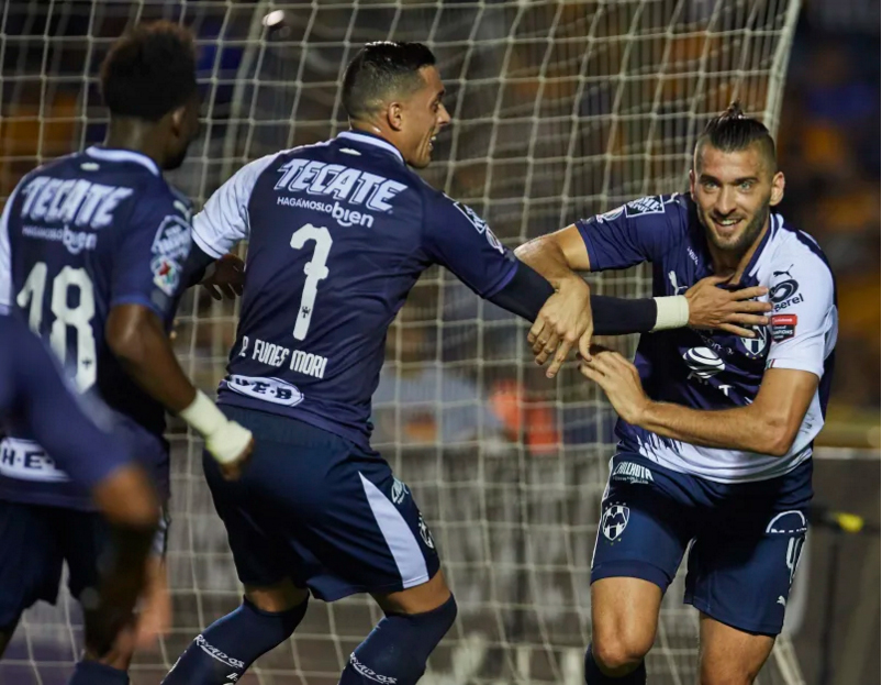 Rayados toman la delantera ante Tigres