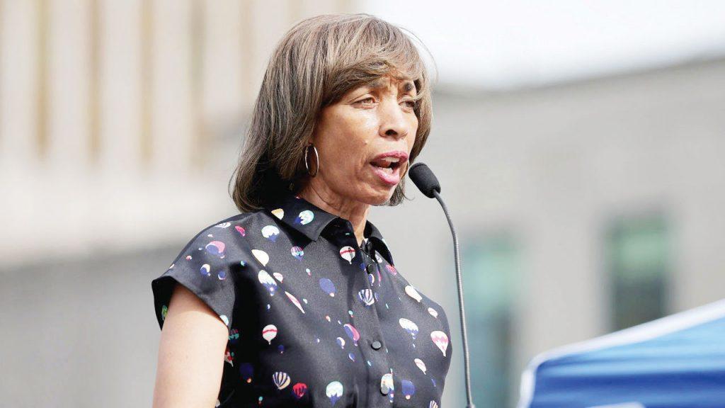 Concejales de Baltimore piden la renuncia de Alcaldesa