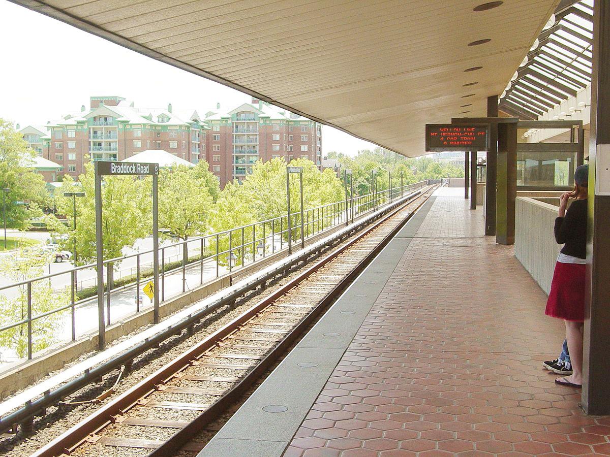 Cierran estaciones de las líneas Azul y Amarilla del Metro
