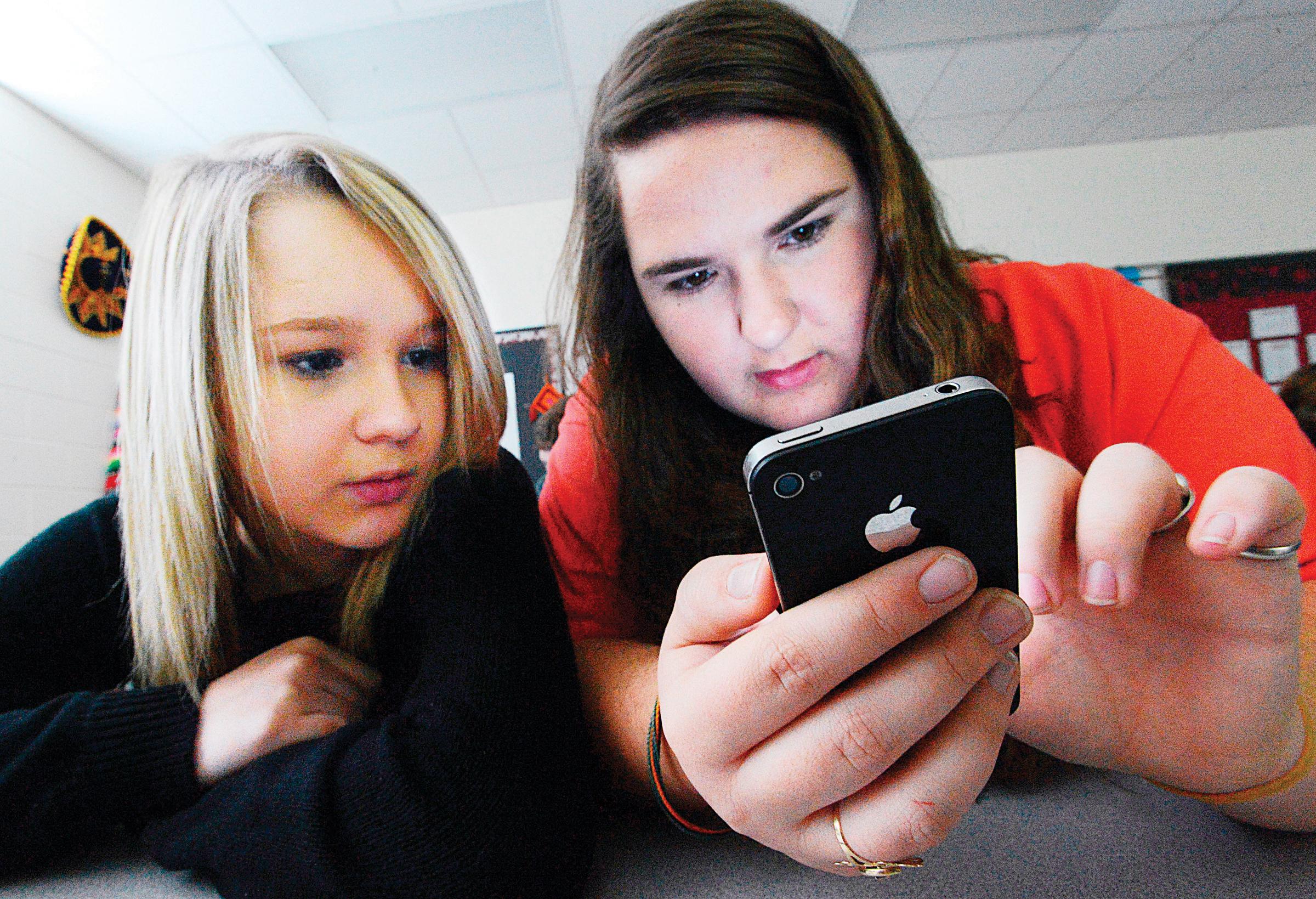 Alertan contra uso excesivo de redes sociales